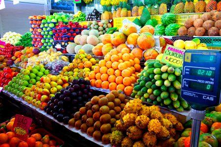 étale d'un marché de Bogota