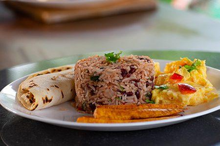 gallo pinto, petit déjeuner typique du Costa Rica
