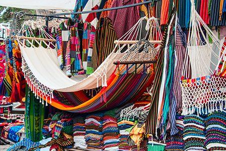 sur le marché d'Otavalo