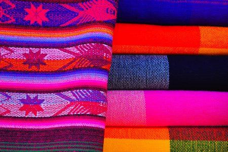 textiles sur le marché d'Otavalo