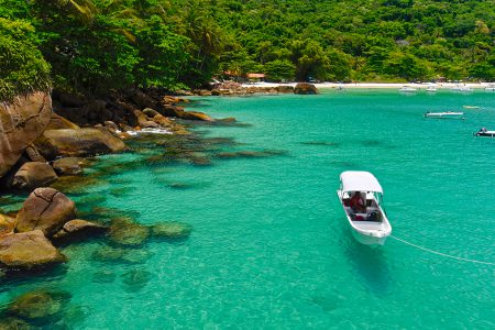 bateau sur la Costa Verde