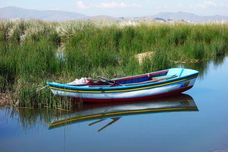 barque de pêcheur sur le lac Titcaca