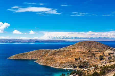 cordillère des Andes depuis le lac Titicaca